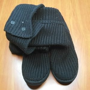 Ugg Classic Cardy Button Detailed Boots Size 8 (9)